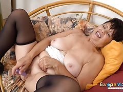 Orgasm Mature Milf Mom