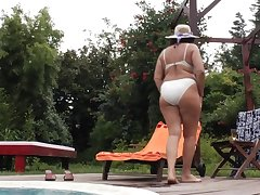 Mature Outdoor Pool Solo