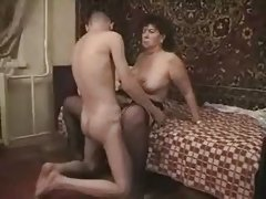 Amateur Hidden Mature Mom