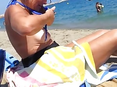 Amateur Beach big-tits Mom