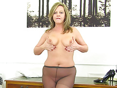 British Mature Milf Mom